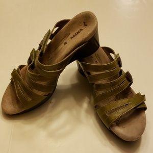 Romika green adjustable sandals size 11